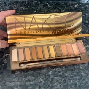 Urban Decay Naked Honey 🍯